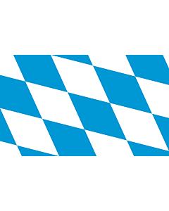 Fahne: Die Rautenfahne des Freistaates Bayern seit 1971. Das Seitenverhältnis ist nicht vorgegeben
